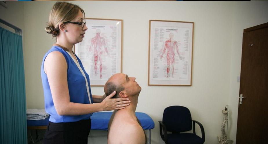 Chiropractor Leeds Neck